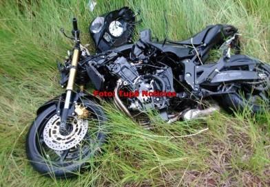Acidente entre carro e moto deixa três feridos em vicinal de Quatá