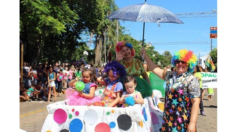 Paraguaçu Paulista comemora 94 anos com tradicional desfile
