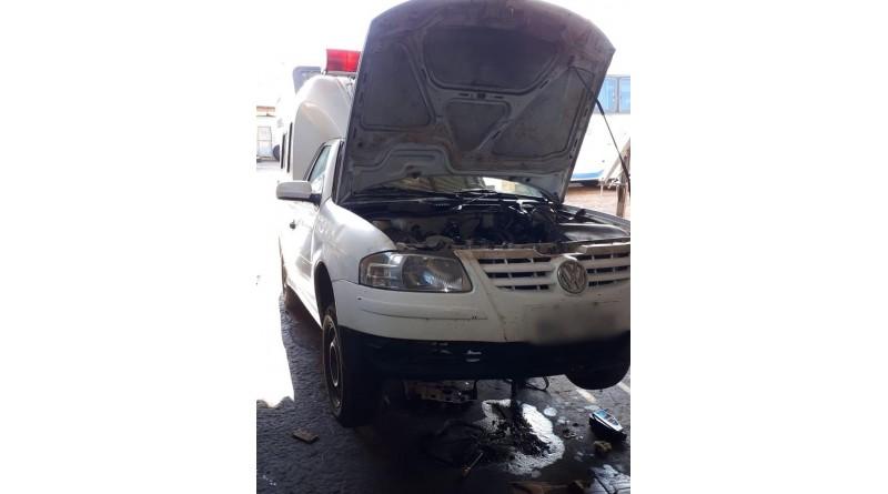 Prefeitura abre sindicância após ambulância quebrar por ter açúcar no óleo do motor