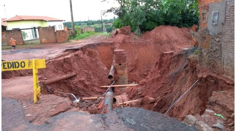 Água começa a voltar às torneiras após temporal em Paraguaçu Paulista