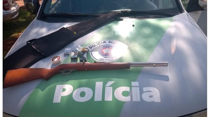 Após denúncia, Polícia Ambiental apreende rifle e 81 munições, em Iepê