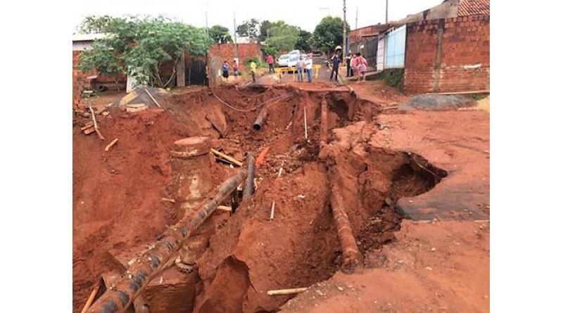 Após rompimento de adutora da Sabesp, deve faltar água em Paraguaçu