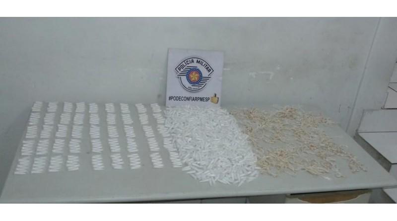 Mais de duas mil porções de drogas são encontradas enterradas em Marília