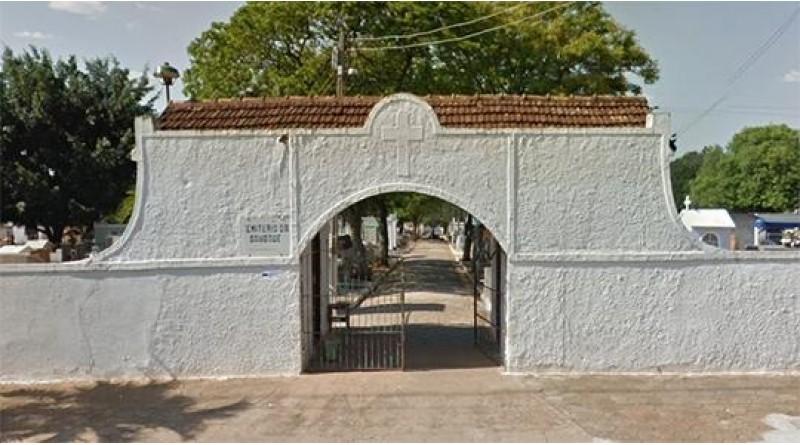 Túmulo é violado em cemitério de Tupã