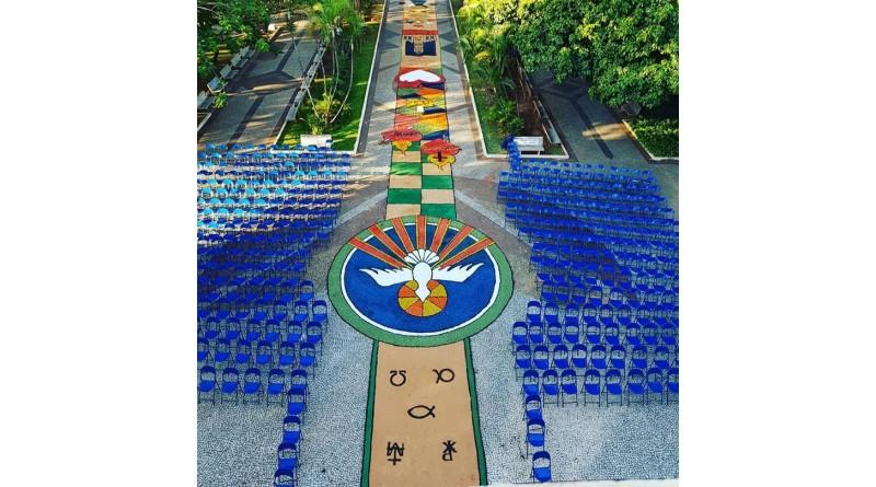 Corpus Christi tem confecção de tapetes em Paraguaçu e região