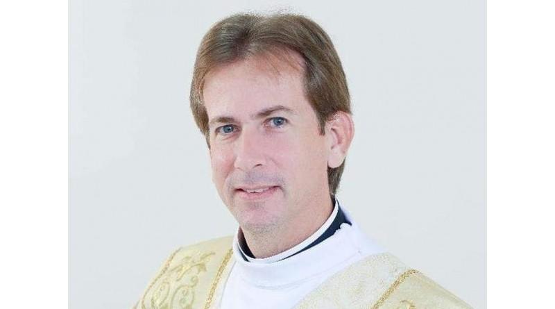 Detido em operação contra pedofilia, padre admite que armazenava vídeos com pornografia infantil