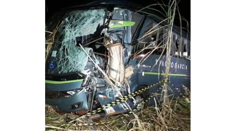 Motorista de ônibus morre após acidente no Paraná
