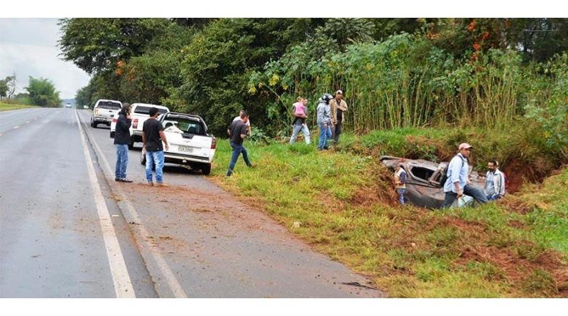 Motorista morre após bater carro em placa de sinalização e capotar em rodovia de Paraguaçu