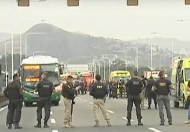 Ônibus é sequestrado na ponte Rio-Niterói por homem armado