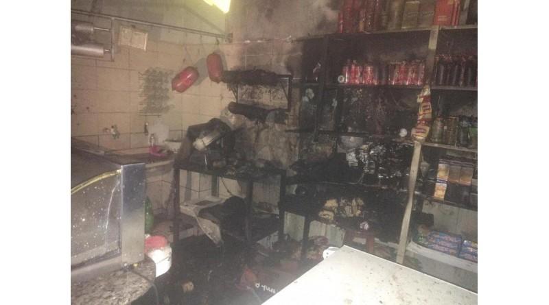 Fogo atinge mercearia e mobiliza bombeiros em Tupã