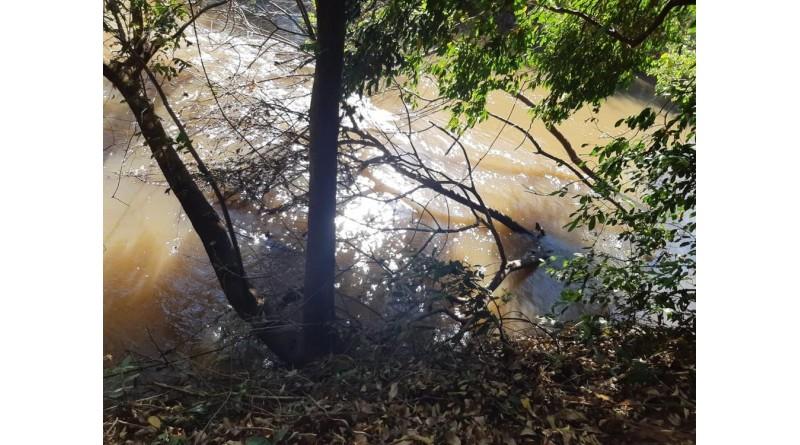 Idoso morre afogado em rio após cair de barranco em Maracaí