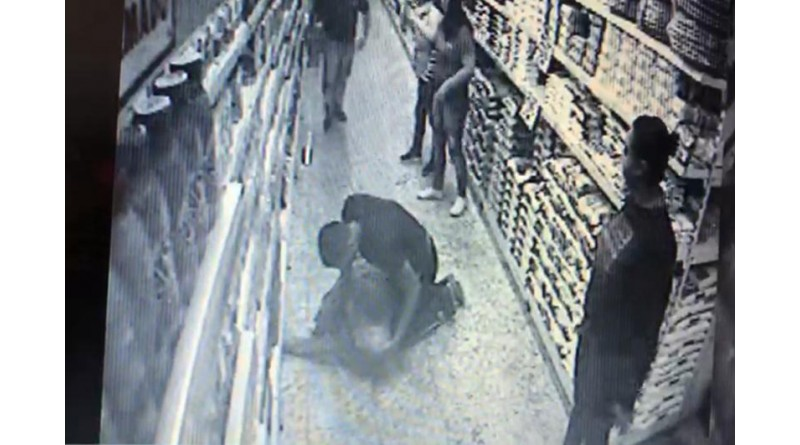 Policial militar salva idoso que passou mal dentro de mercado