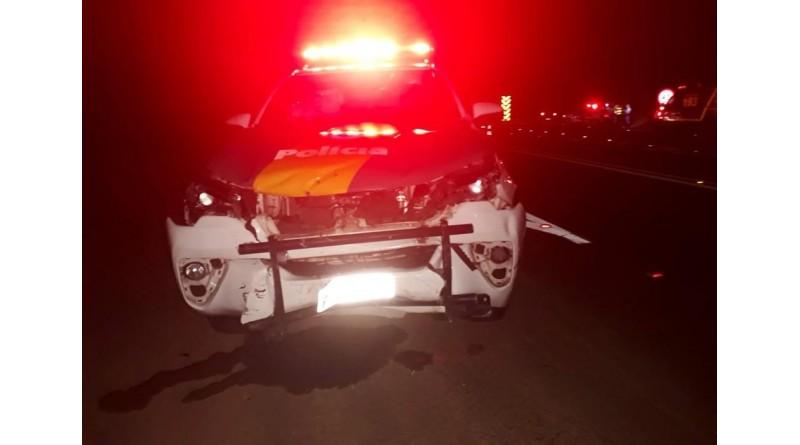 Carro da Polícia Rodoviária se envolve em acidente e 4 pessoas ficam feridas em Assis