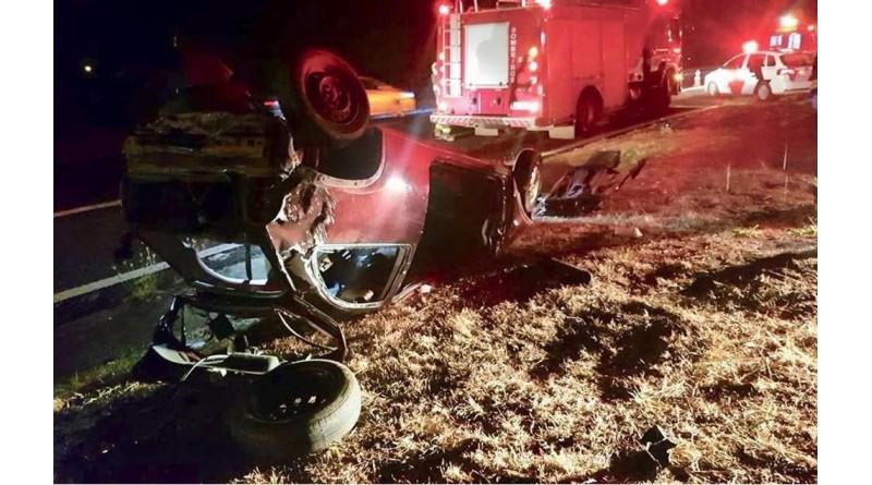 Motorista morre ao capotar com carro em rodovia de Lins
