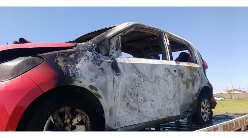 Motorista de aplicativo tem carro roubado e veículo é queimado em Marília