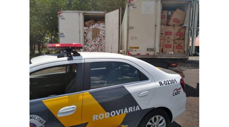 Polícia apreende três caminhões com cigarros contrabandeados em Assis e região
