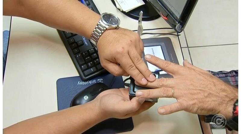 Cartórios eleitorais fazem plantão em cidades onde cadastro biométrico obrigatório termina dia 19
