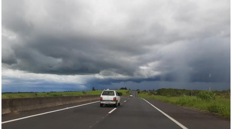 Defesa Civil faz alerta para chuva acima da média na região até a véspera do Natal