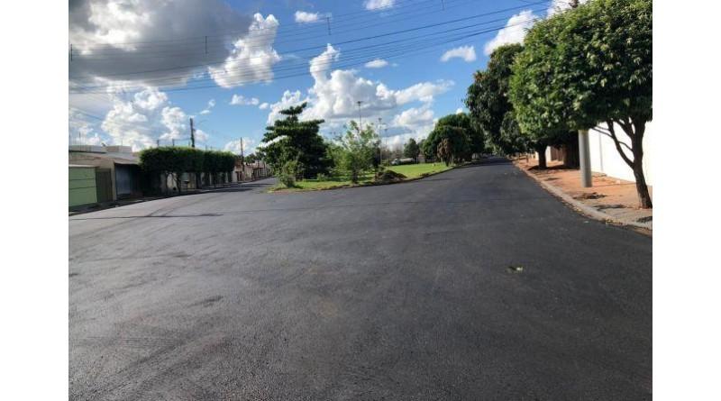 As ruas que ficaram para trás serão recapeadas, garante prefeita Almira