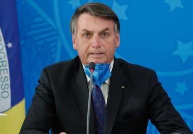 """""""E daí?"""": Declarações de Bolsonaro minimizando mortes por coronavírus indignam internautas"""