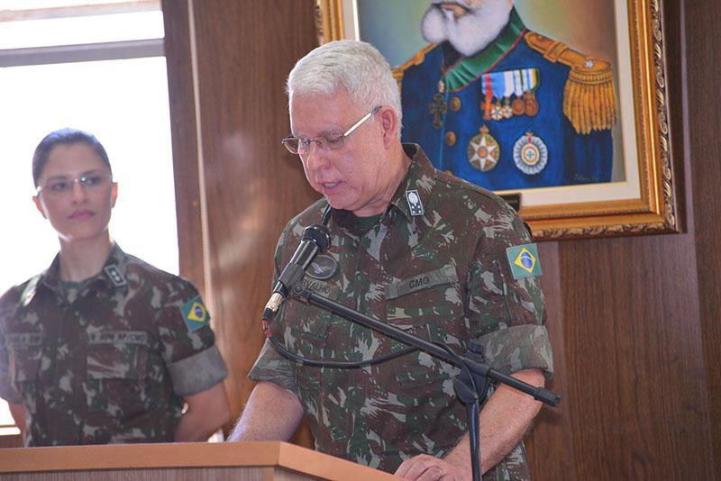 Paraguaçuense, General Lourival Carvalho Silva, se despede do Comando Militar do Oeste