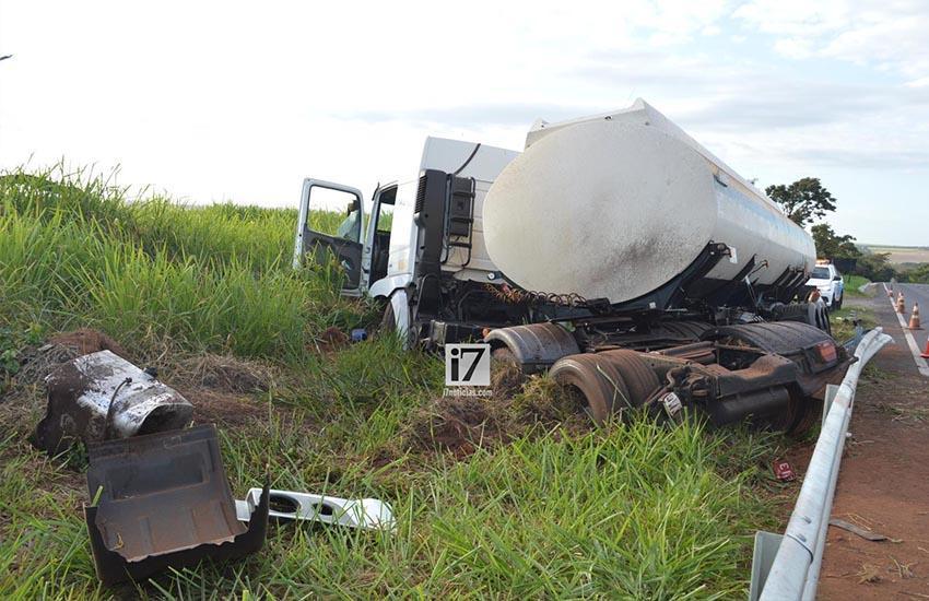 Motorista tem mal súbito e sofre acidente na rodovia Paraguaçu-Assis